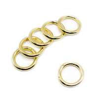 Goldener O-Ring